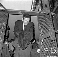 Norman Mailer arrested for stabbing his wife
